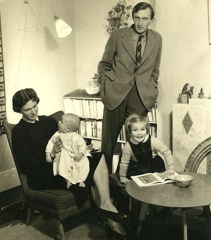 Marianne Fillenz sat at the table with her husband and her children - a baby and a little girl